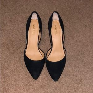 Like new suede pumps